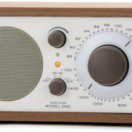 Tivoli Audio Model One radio Personale Analogico Beige, Noce venduto su Radionovelli.it!